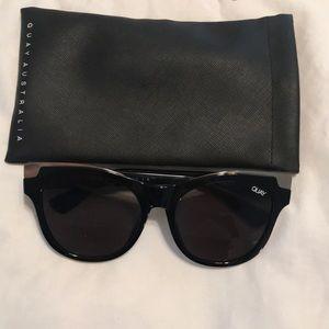 Quay Round shape sunglasses